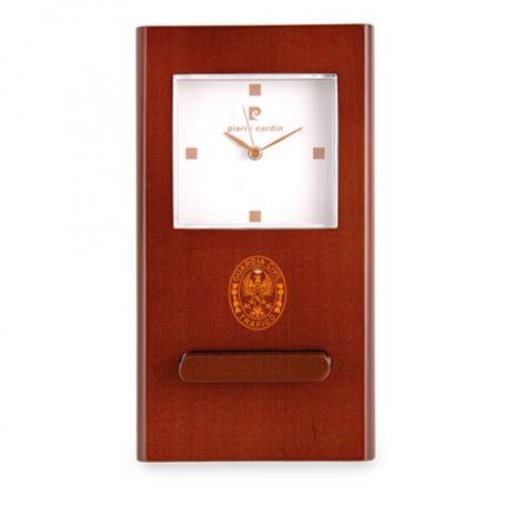 Reloj madera con emblema